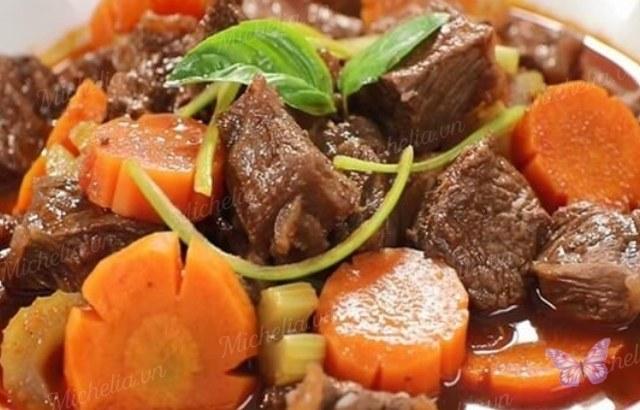 nấu thịt bò kho với nước dừa