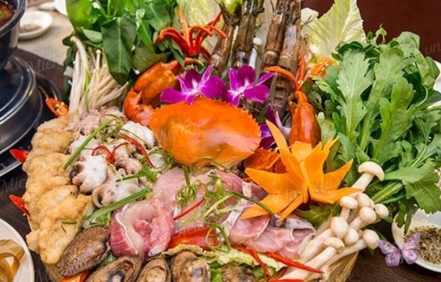 cách nấu lẩu thập cẩm cho 10 người ăn
